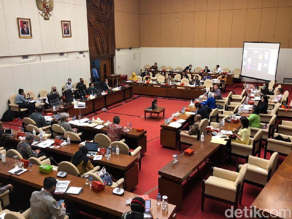 Korban Asuransi Gagal Bayar Bareng-bareng Ngadu ke DPR