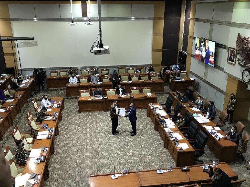 Pemerintah Serahkan DIM RUU MK, Komisi III DPR Sepakat Bentuk Panja