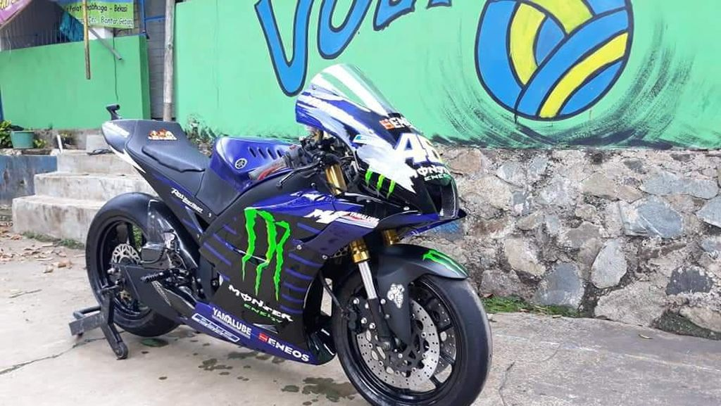 Ngebet MotoGP, Ini Penampakan Vixion yang Dimodifikasi ala Motor Valentino Rossi