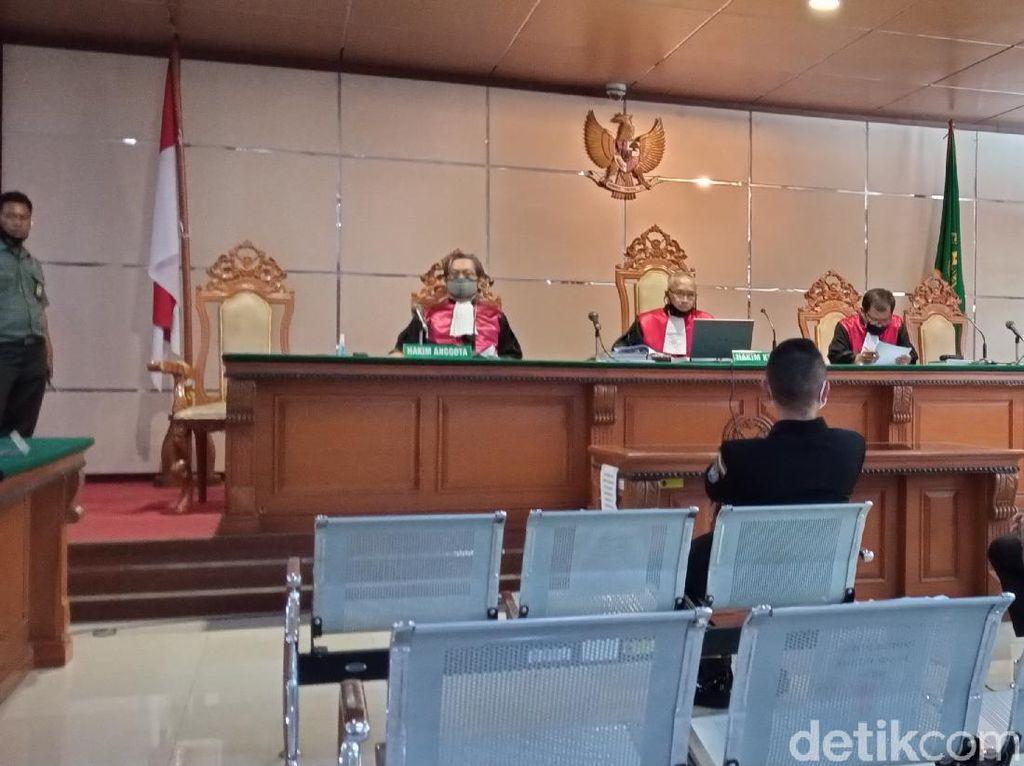 Ada Hakim Terpapar COVID-19, Sidang Sunda Empire Ditunda