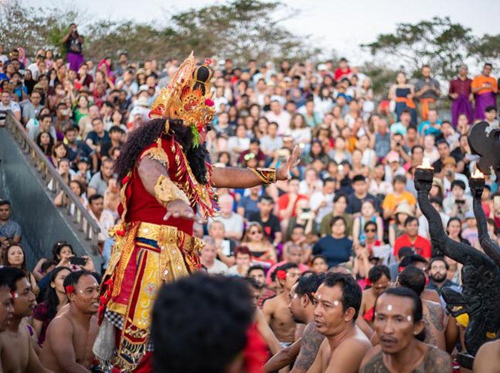 Bali Mulai Batasi Kunjungan Destinasi Wisata dan Pusat Keramaian