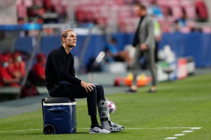 LISBON, PORTUGAL - AUGUST 18: Thomas Tuchel, Manager of Paris Saint-Germain looks on during the UEFA Champions League Semi Final match between RB Leipzig and Paris Saint-Germain F.C at Estadio do Sport Lisboa e Benfica on August 18, 2020 in Lisbon, Portugal. (Photo by Manu Fernandez/Pool via Getty Images)