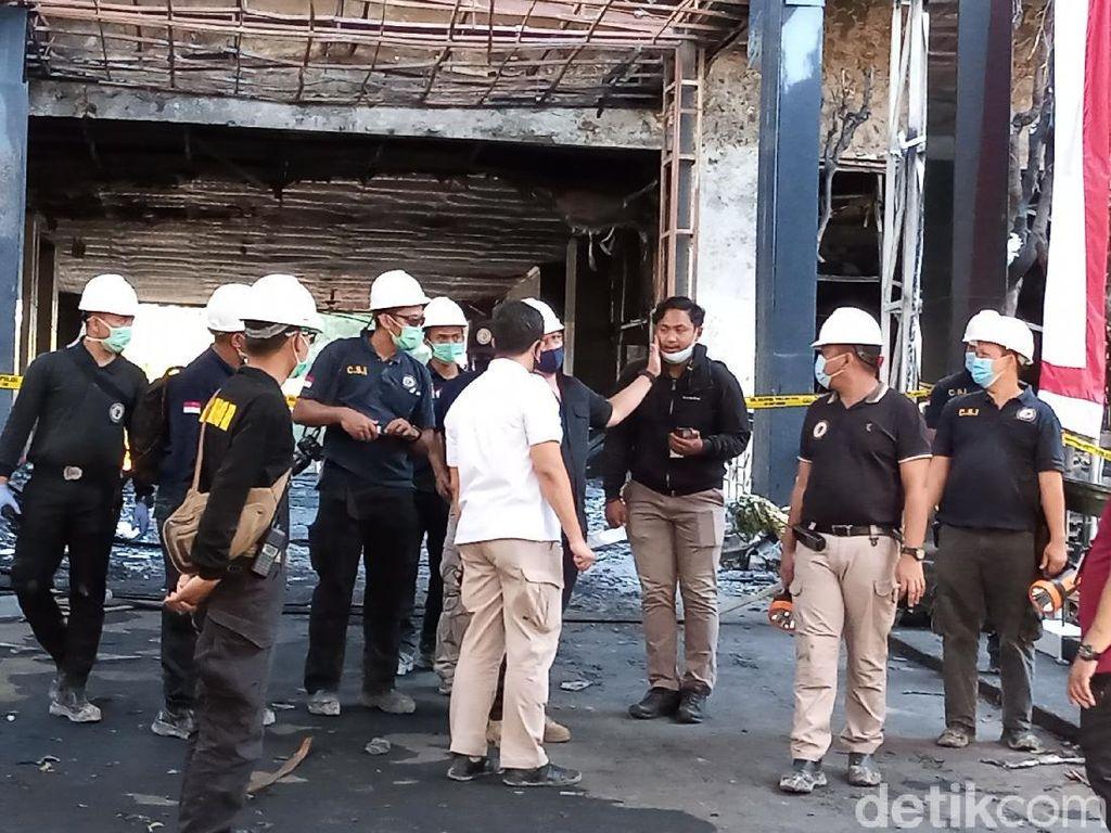 Tim Labfor Polri Cek Lagi Gedung Kejagung yang Terbakar