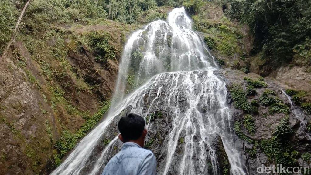 Foto: Air Terjun Proposan yang Eksotis