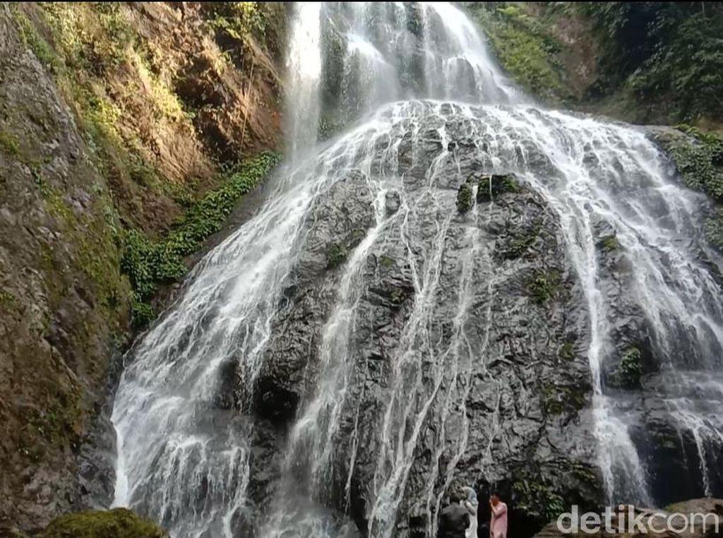 Destinasi Kamu Selanjutnya di Luwu, Air Terjun Proposoan