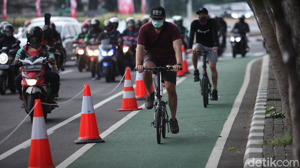 Pak Anies, Yakin Nih Mau Buat Jalur Sepeda di Dalam Tol?