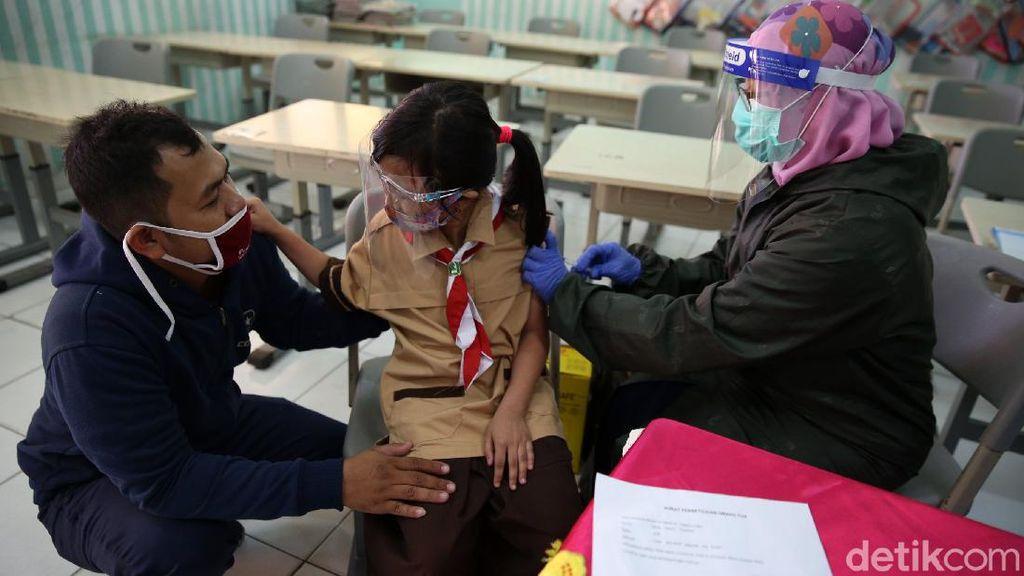 Cegah Kanker Serviks, Siswa SD Disuntik Vaksin HPV