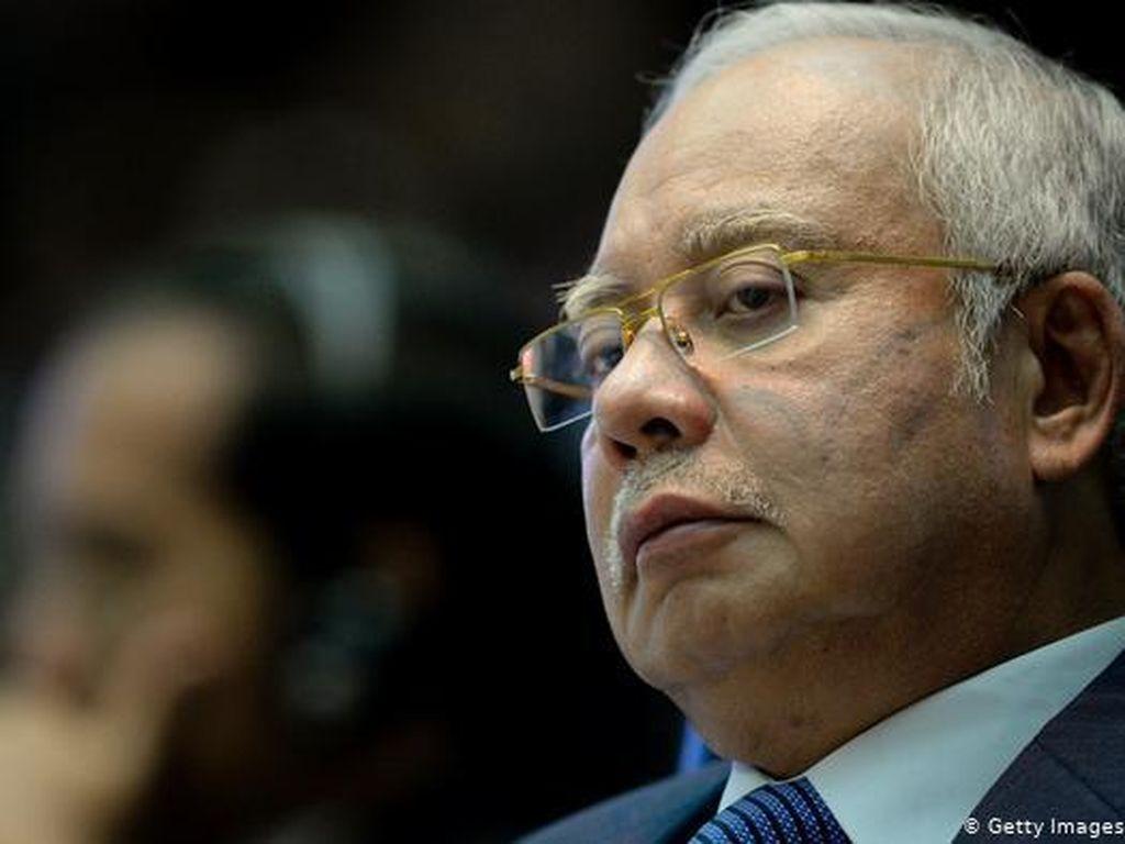 Usai Divonis 12 Tahun Penjara, Najib Razak Tampil di Safari Politik
