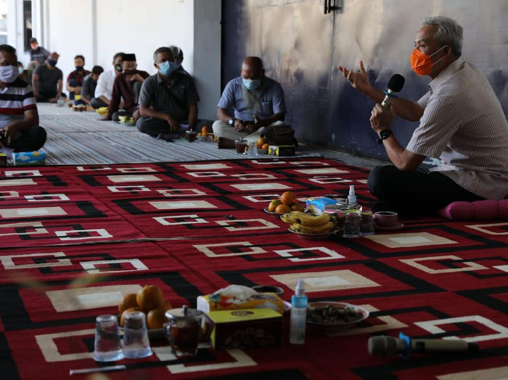 Petani Tembakau Mau Kepung Istana, Ganjar: Ora Usah Demo