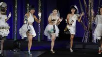 Atlet Disabilitas Catwalk di Ajang Paralimpik Jepang