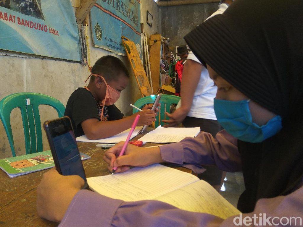Ketua RW di Bandung Barat Sediakan Internet Gratis untuk Siswa PJJ