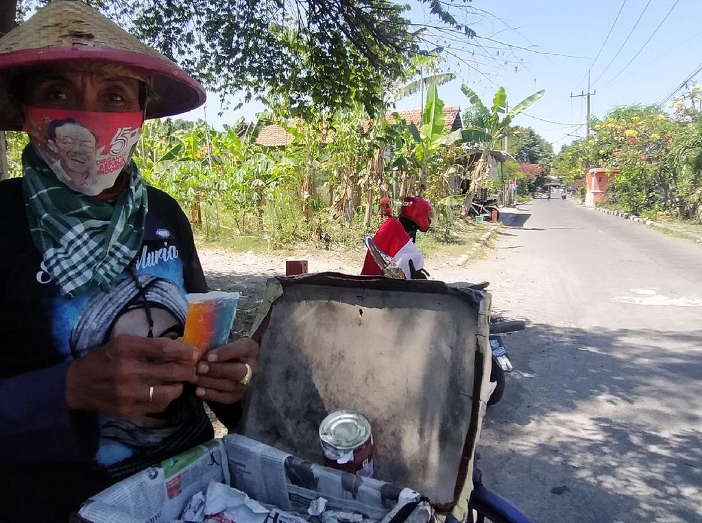 Kisah Penjual Es Gabus yang Masih Bertahan hingga Kini