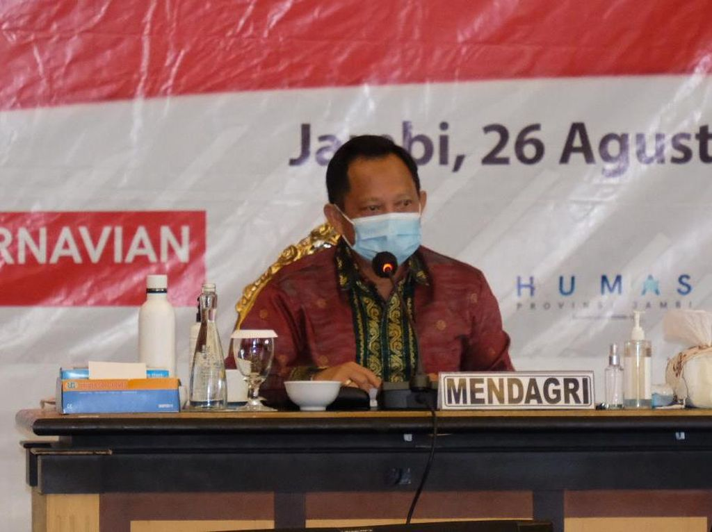 Mendagri Tito Usul Masker-Sabun Jadi Alat Peraga Kampanye
