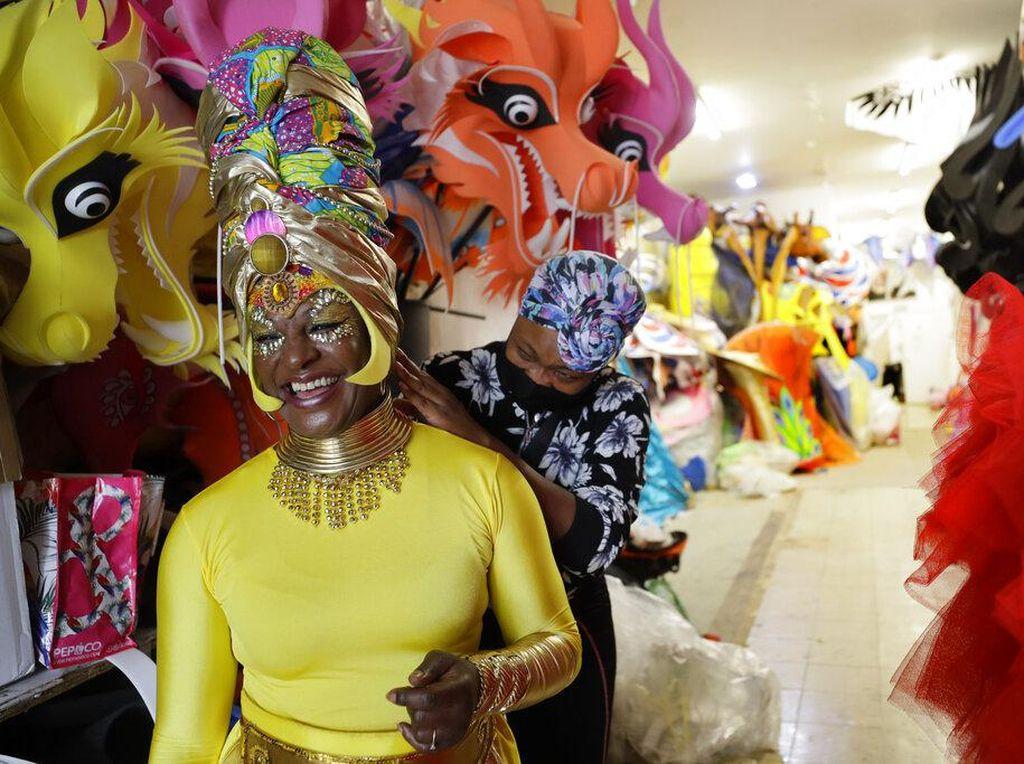 Menengok Persiapan Karnaval Terbesar di Inggris yang Digelar Online