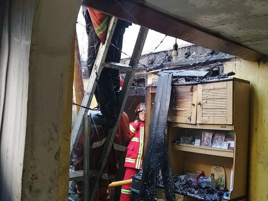 Bocah Main Korek Api di Atas Kasur, Sebuah Rumah di Bogor Terbakar