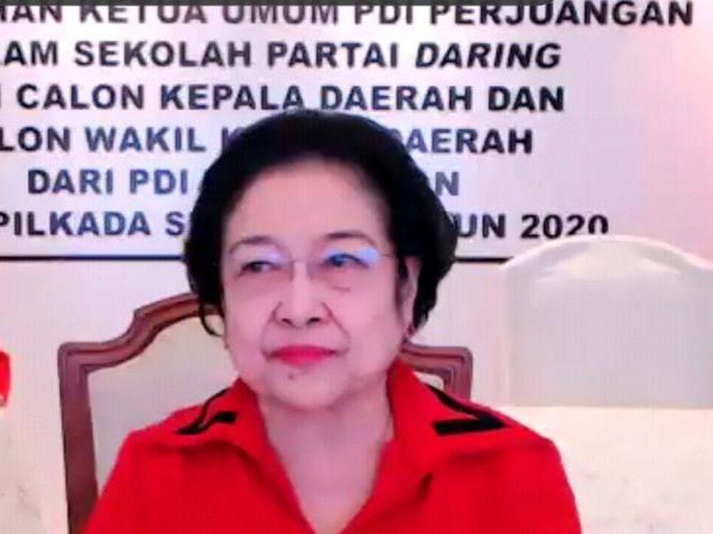 Di Sekolah Partai, Megawati Puji Wali Kota Hendi dan Bupati Azwar Anas