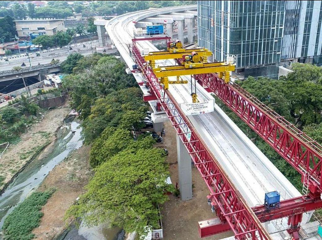 U-Shape Girder Terpanjang di Indonesia Terpasang di LRT Jabodebek