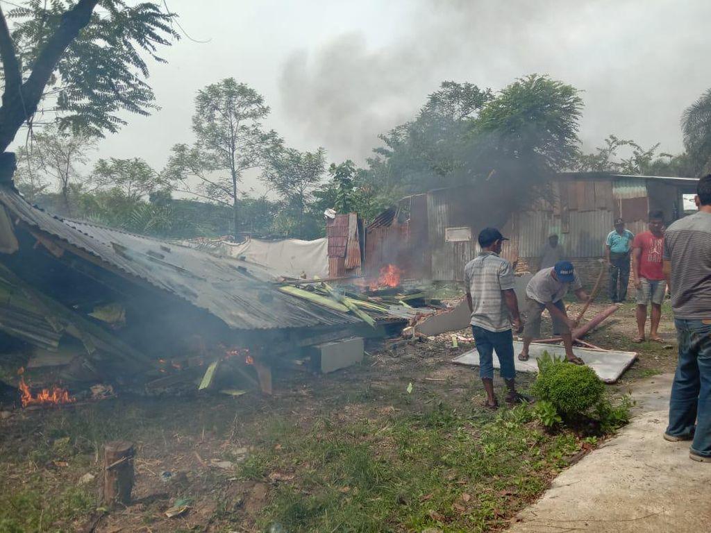 Warga Protes Klaim Tanah Grand Sultan di Medan, Plang Dicabut-Gubuk Dibakar