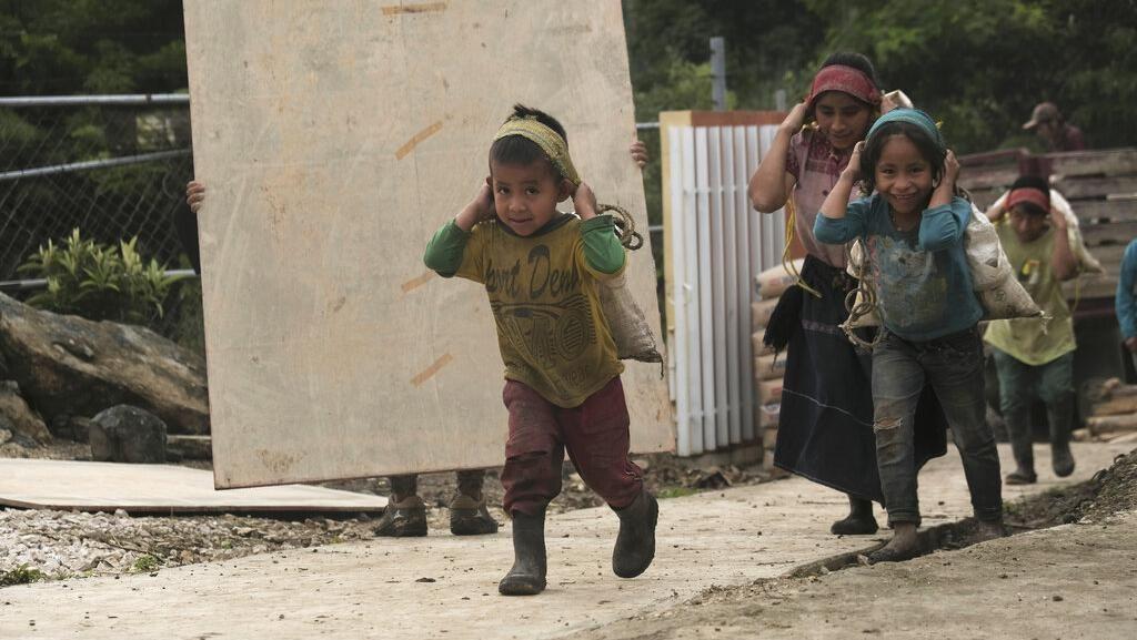 Sekolah Ditutup, Anak-anak di Desa Meksiko Pilih Bantu Ortu Bekerja