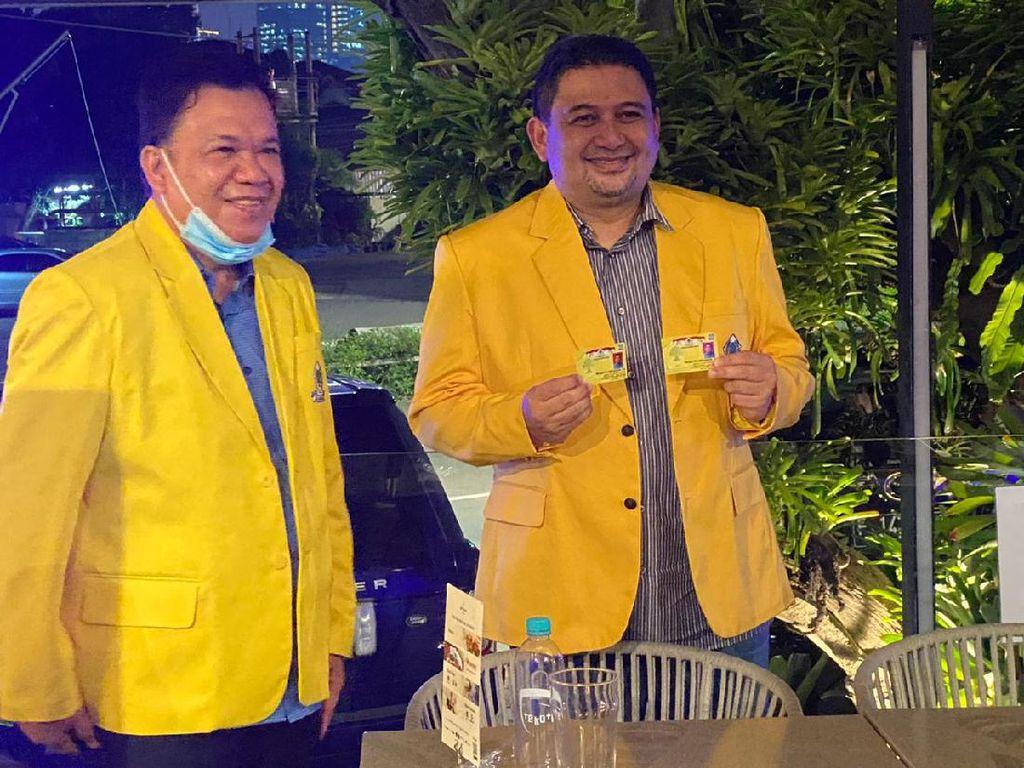 Jelang Pendaftaran KPU, Cawalkot PD-PPP di Makassar Appi Dapat KTA Golkar