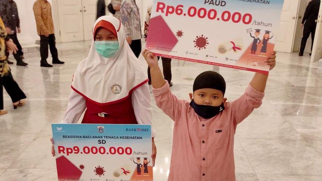 Beasiswa untuk Anak-anak Tenaga Kesehatan
