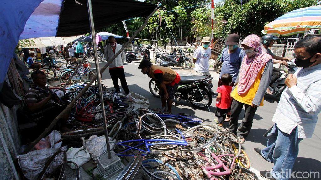 Geliat Aktivitas di Pasar Kliwon Bekonang Sukoharjo