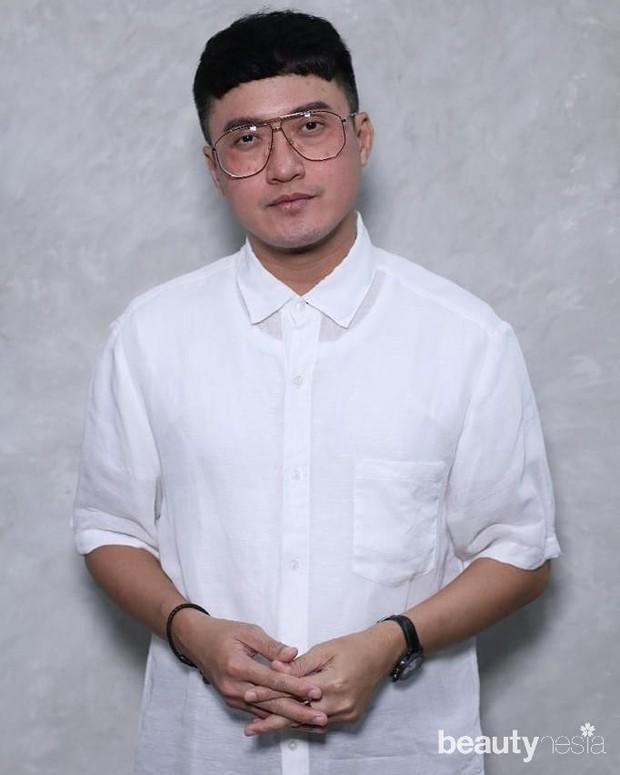 Sejak usia 12 tahun, pemilik nama lengkap Barli Perdana Asmara itu telah bercita-cita menjadi perancang busana.