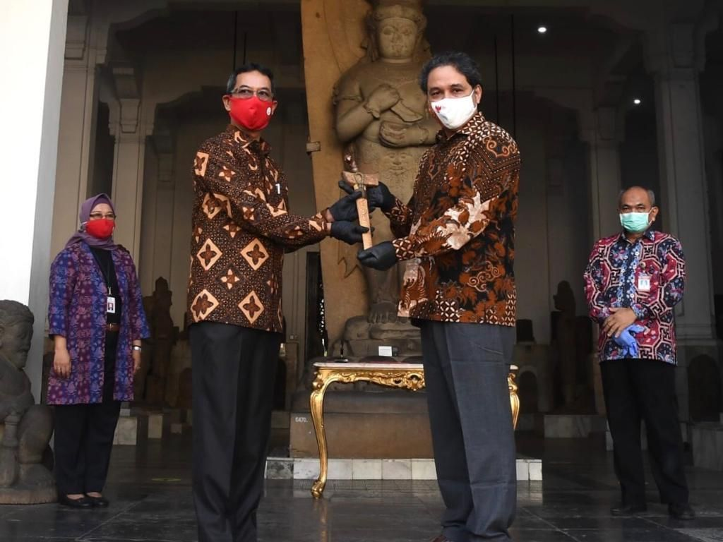 Istana Serahkan Keris Bugis ke Museum Nasional Indonesia