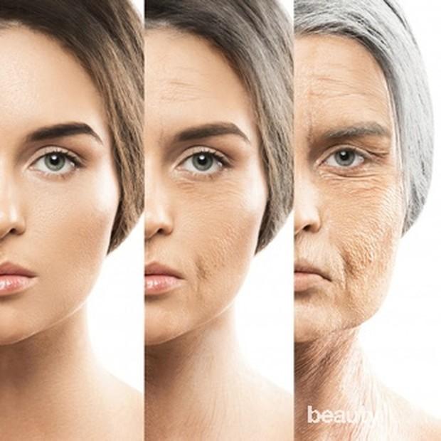 Kamu mungkin juga melihat kantung di bawah mata yang menyusul sebagai salah satu tanda umum penuaan kulit.