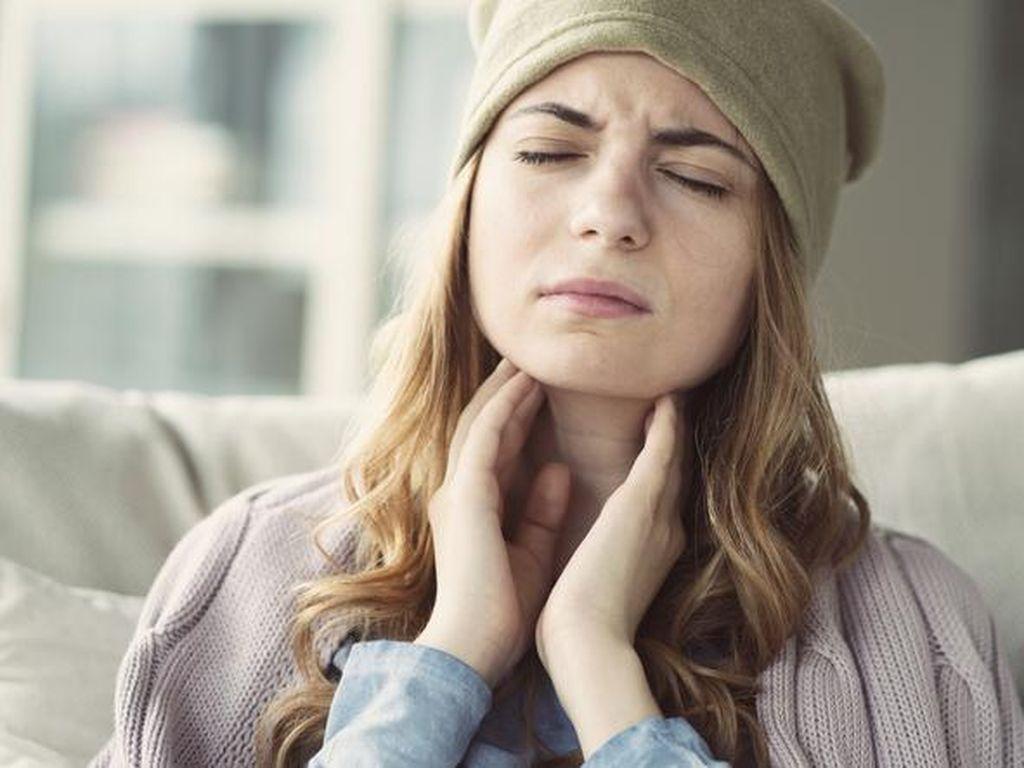 Ini 6 Penyebab Tenggorokan Sakit Saat Menelan