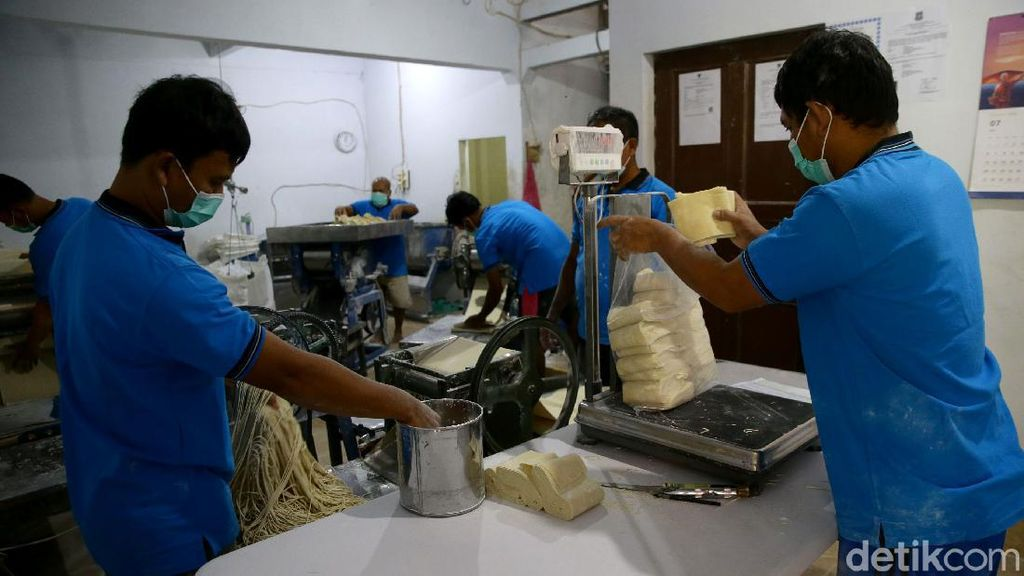 Pabrik Mie Rumahan Ini Produksi 1 Ton Mie Sehari Lho