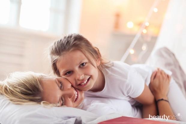 Anak lebih banyak belajar dari pengamatan daripada mendengarkan nasihat dan arahan.