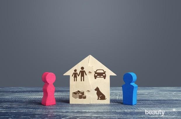 Jika kamu memutuskan untuk tinggal bersama dengan orangtua atau mertua, tentu kamu bisa menyisihkan uang lebih banyak untuk digunakan sebagia DP rumah atau membeli rumah nantinya.
