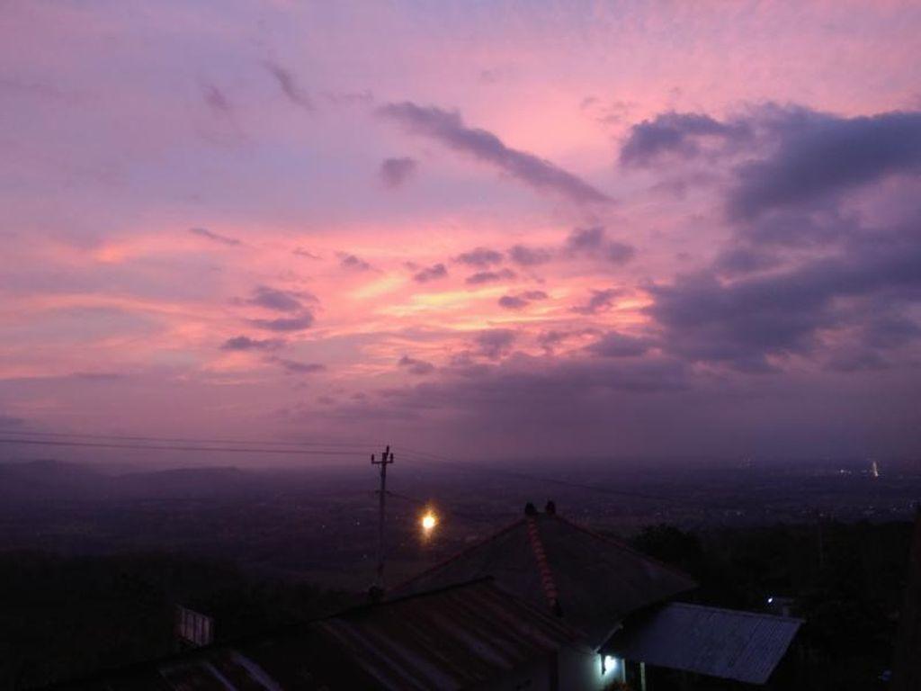 Senja Cantik dari Candi Ijo