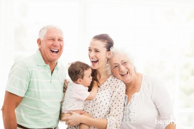 Selain itu, tinggal bersama mertua atau orangtua juga bisa memberikan kemudahan di saat kamu memiliki anak.