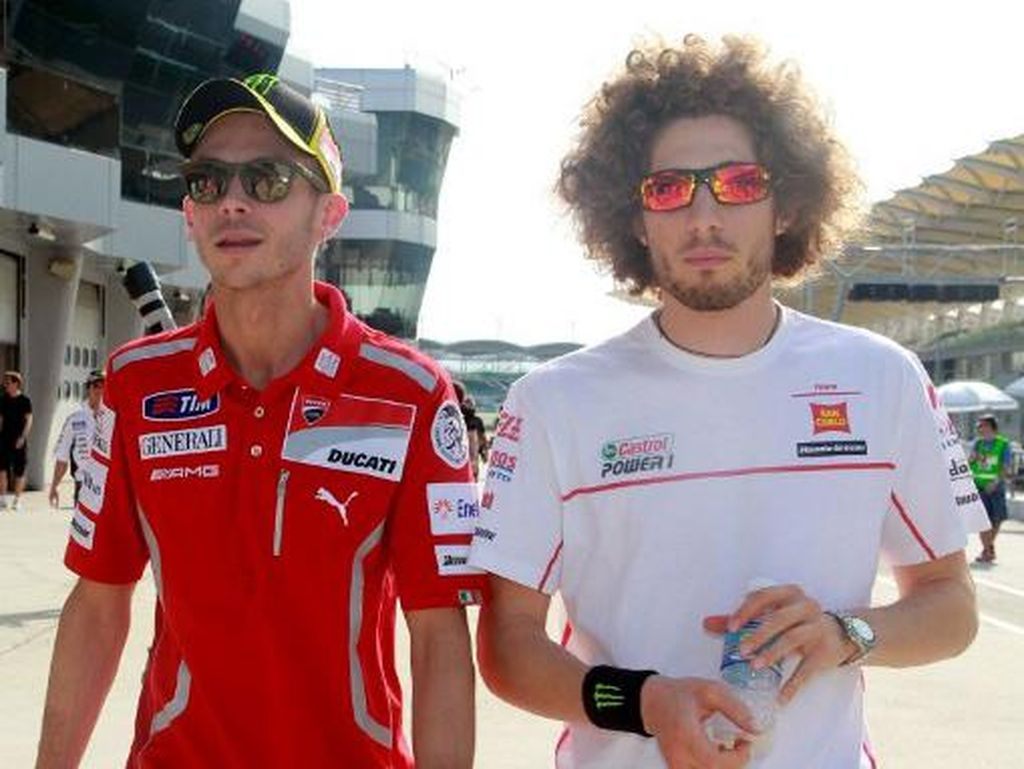 Pengamat MotoGP Ini Juga Bilang Simoncelli Jaga Rossi di Austria