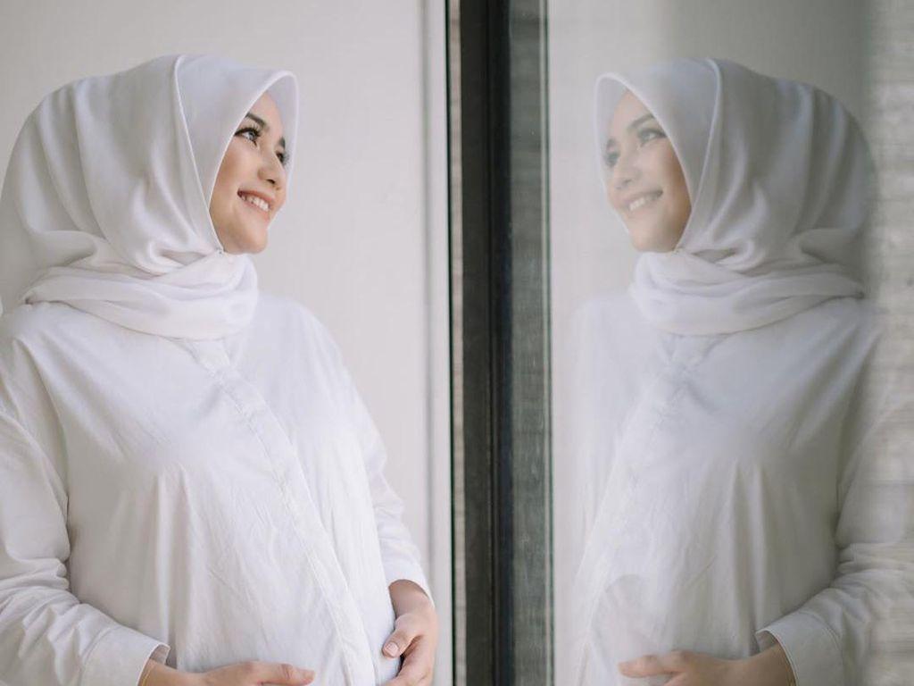 Citra Kirana Melahirkan Lebih Cepat, Intip 7 Foto Kehamilannya