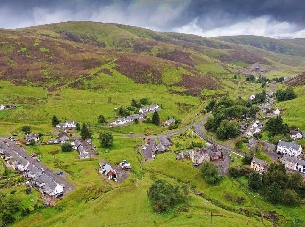 Cara Desa Tertinggi Skotlandia Kembangkan Wisata