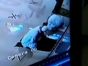 Viral Video Pimpinan Muhammadiyah Pekalongan Wafat Saat Salat di Masjid