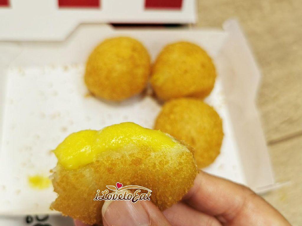 Yummy! Bola-bola Durian Goreng Kini Jadi Menu Baru KFC