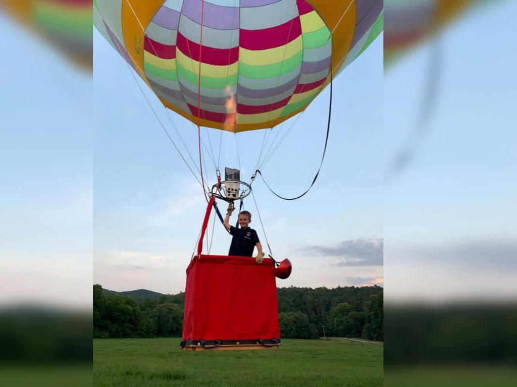 Ini Pilot Balon Udara Termuda, Usianya Masih 8 Tahun