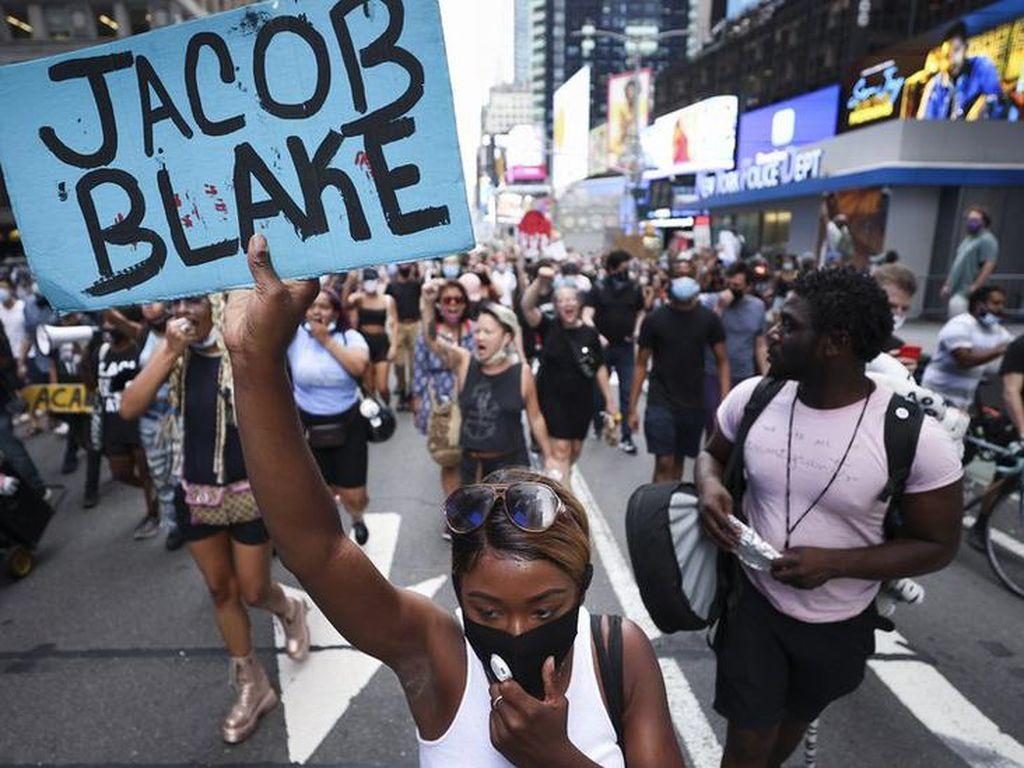 Demo Berkepanjangan Selepas Pria Kulit Hitam Jadi Korban Penembakan