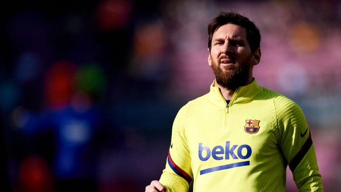 BARCELONA, SPAIN - FEBRUARY 22: Lionel Messi of FC Barcelona warms up prior to the La Liga match between FC Barcelona and SD Eibar SAD at Camp Nou on February 22, 2020 in Barcelona, Spain. (Photo by Alex Caparros/Getty Images)