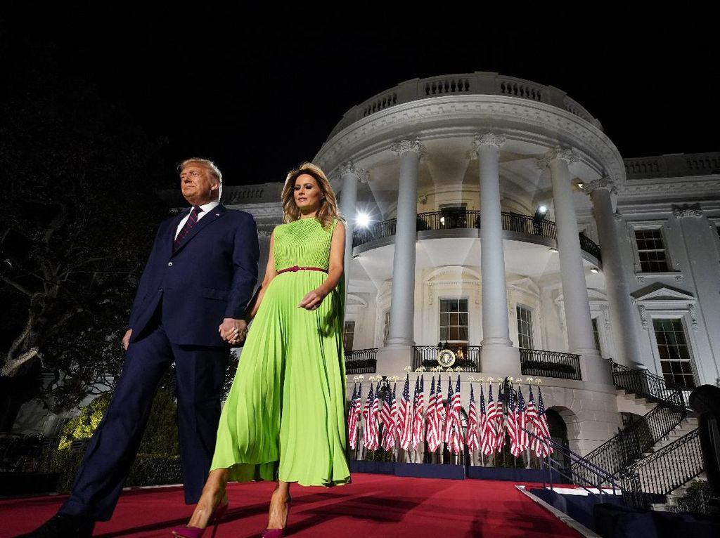 Melania Trump Ketahuan Pakai Email Pribadi untuk Urusan Negara