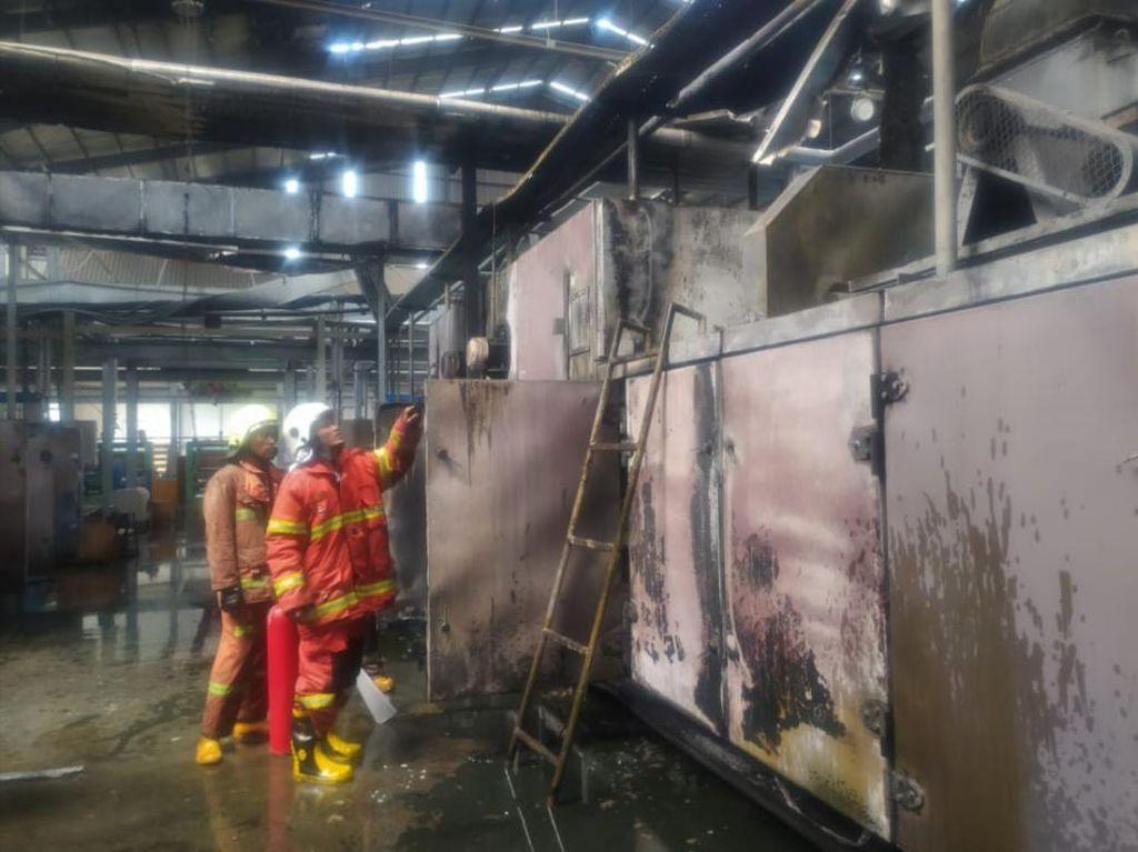 Kebakaran Pabrik Pengolahan Plastik di Salatiga, 2 Pekerja Luka