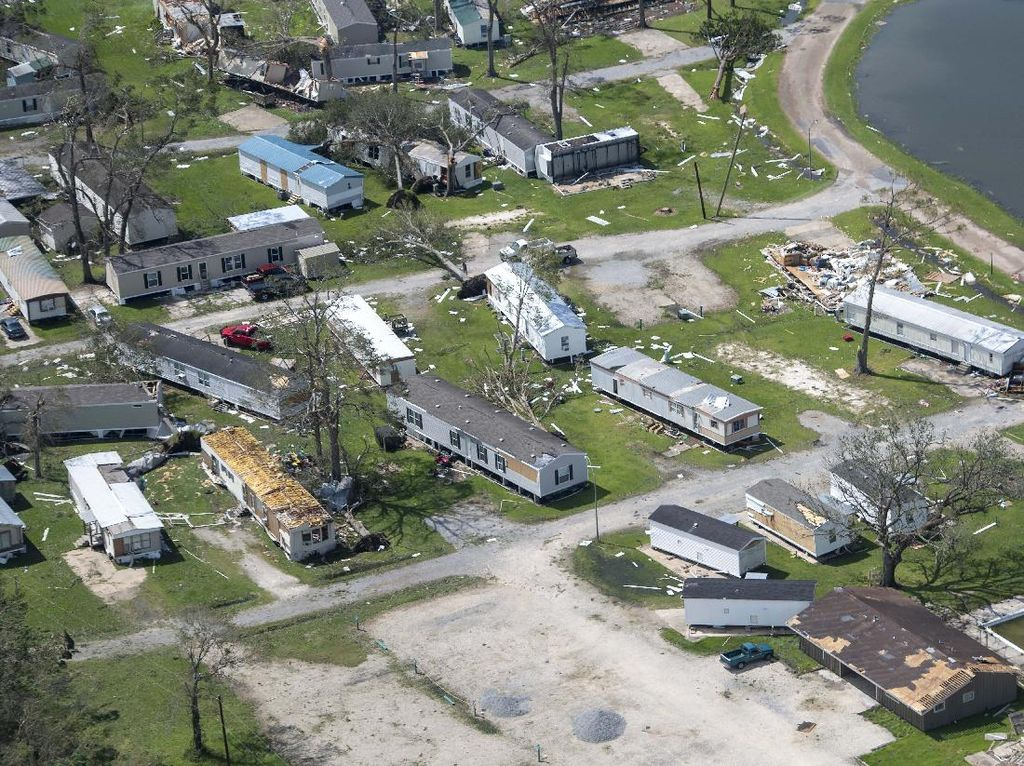 Badai Laura Terjang Louisiana AS, 6 Orang Tewas