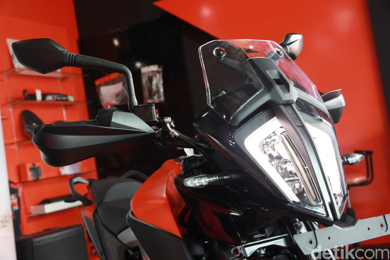 PT. Penta Jaya Laju Motor (PJLM) resmi meluncurkan KTM 390 Adventure. Motor pabrikan Austrlia ini sudaj dirakit lokal di Gresik, Jawa Timur lho.