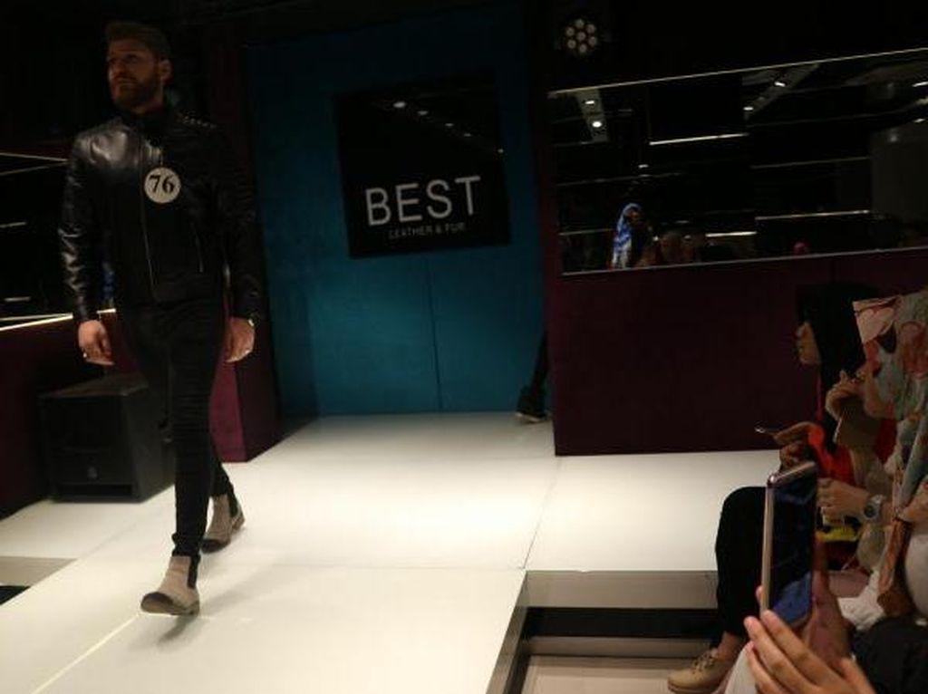 Di Turki, Bisa Belanja Sambil Lihat Fashion Show