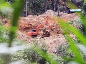 Tambang Emas Ilegal di Nagan Raya Digerebek, 4 Orang-Backhoe Diamankan