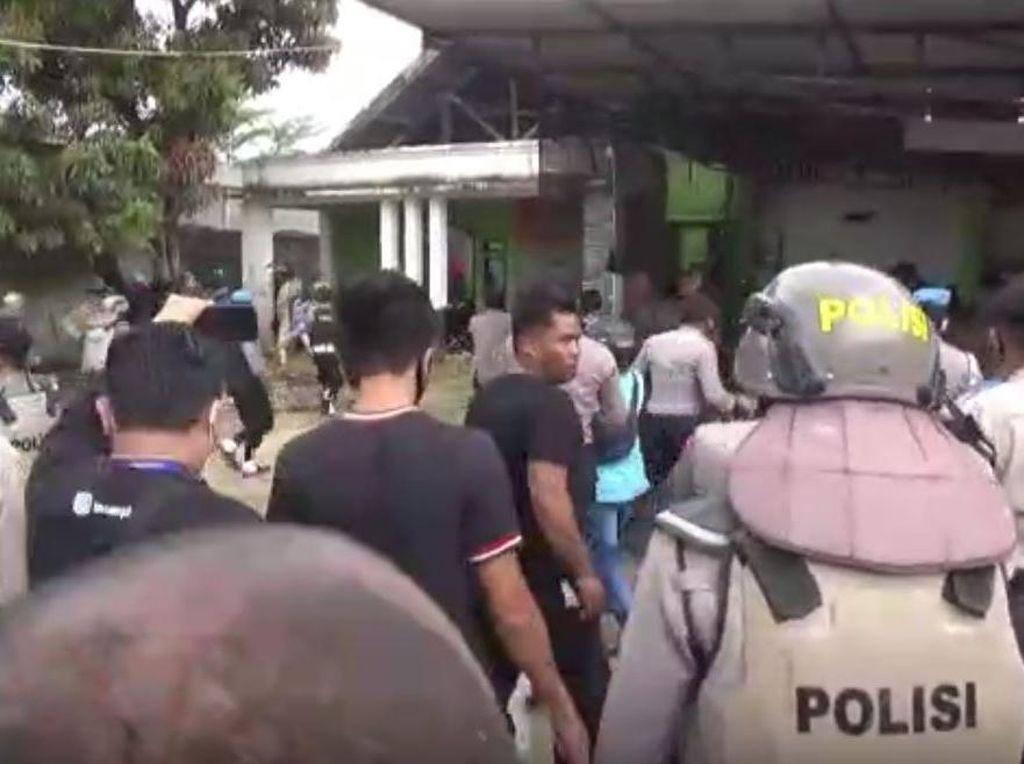 Eksekusi Lahan di Kendari Ricuh, Alat Berat Dilempari Molotov